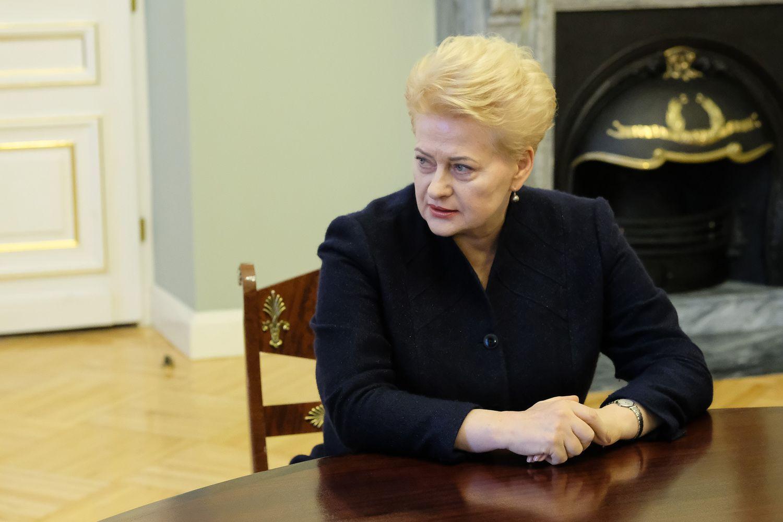 Trys ministrai atleisti, ieškoma kandidatų į jų vietą