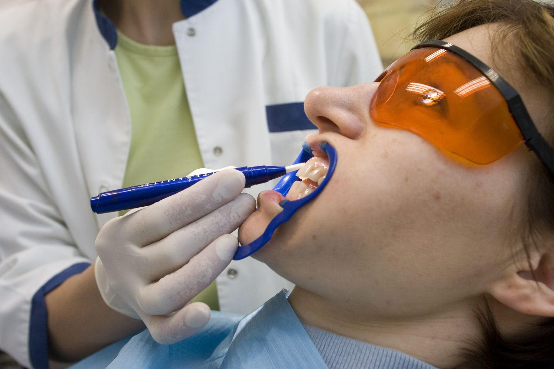 Algos didžiausiose odontologijos įmonėse – skirtumai matuojami kartais