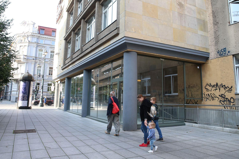 Architektų rūmai teismui skundžia kavinės Vilniaus centre įstiklinimą