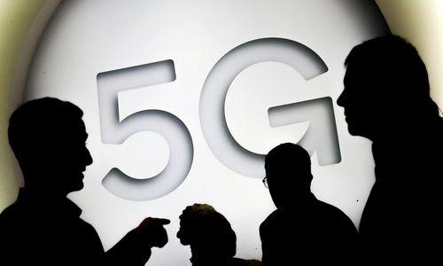 """""""Tele2"""" sukirto rankomis su """"Telenor"""" dėl bendro 5G tinklo Švedijoje"""