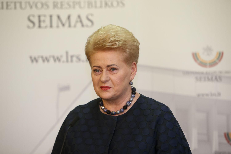 D. Grybauskaitė: tai valdžios santykio su visuomene krizė
