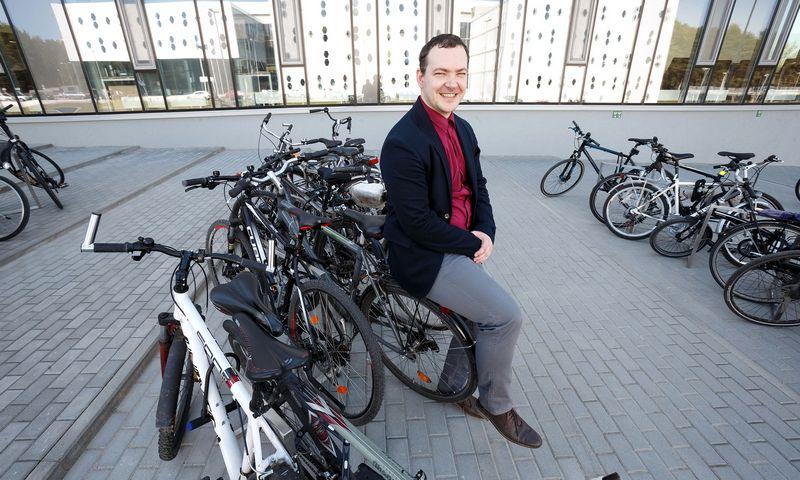 Žilvinas Dubosas, generalinis direktorius, tikisi, kad pardavimus paskatins 2019 m. sausio 19 d. įsigaliosiantis antidempingo muitas iš Kinijos importuojamiems elektriniams dviračiams. Juditos Grigelytės (VŽ) nuotr.