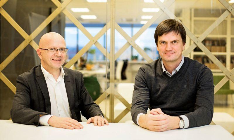 """Susijungusių """"Publicum"""" ir """"Idea"""" grupių vadovai ir partneriai Ričardas Jarmalavičius ir Mark Eikner tęs aktyvią veiklą """"Havas"""" grupėje. Prieš metus daryta bendrovės nuotrauka."""