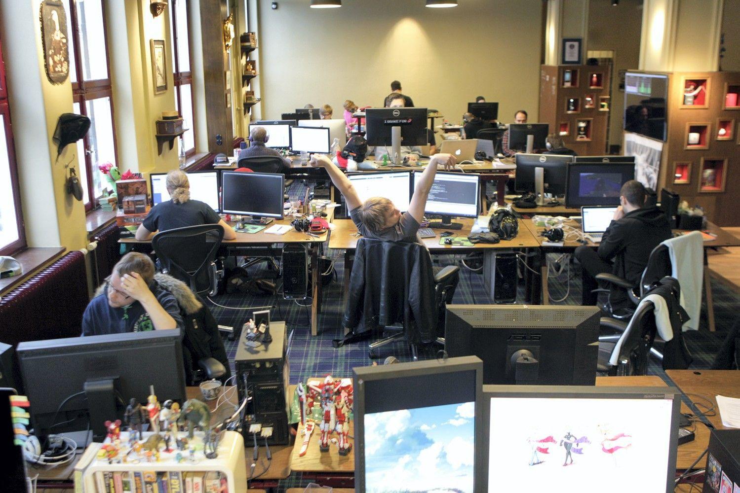 Darbdaviai pataria: kaip užkirsti kelią darbuotojų perdegimui