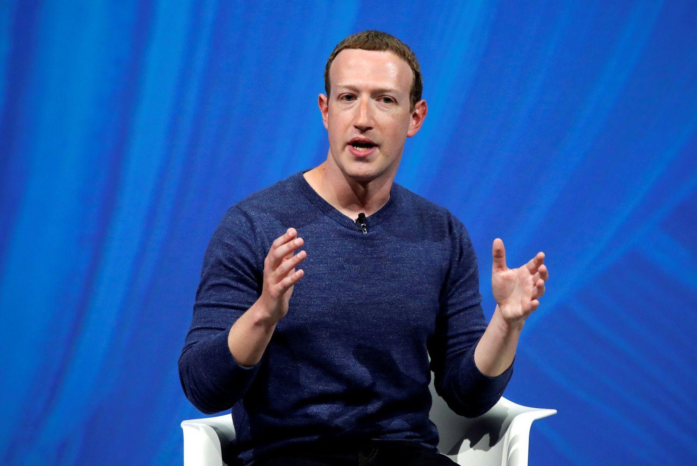 """Kaltinimai """"Facebook"""":leido kompanijomsskaityti asmenines vartotojųžinutes"""