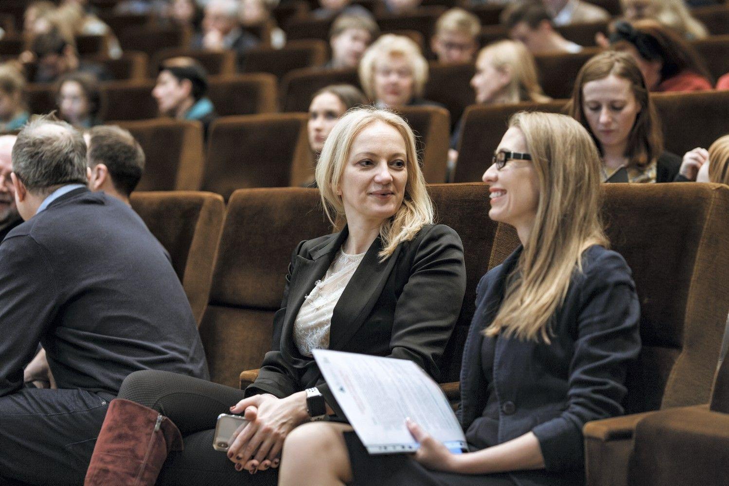 Vyriausybėje apdovanoti nusipelnę lyderiai antrepreneriai