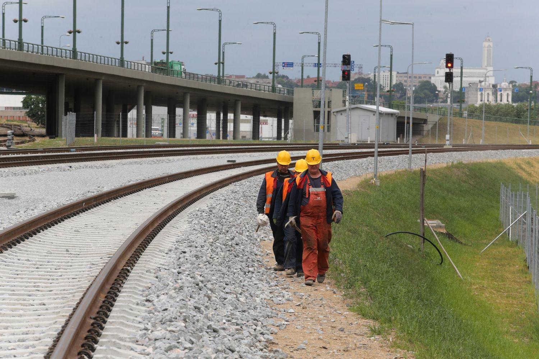 """Atrinks""""Rail Baltica"""" atkarpos iki Latvijos sienos projektuotojus"""