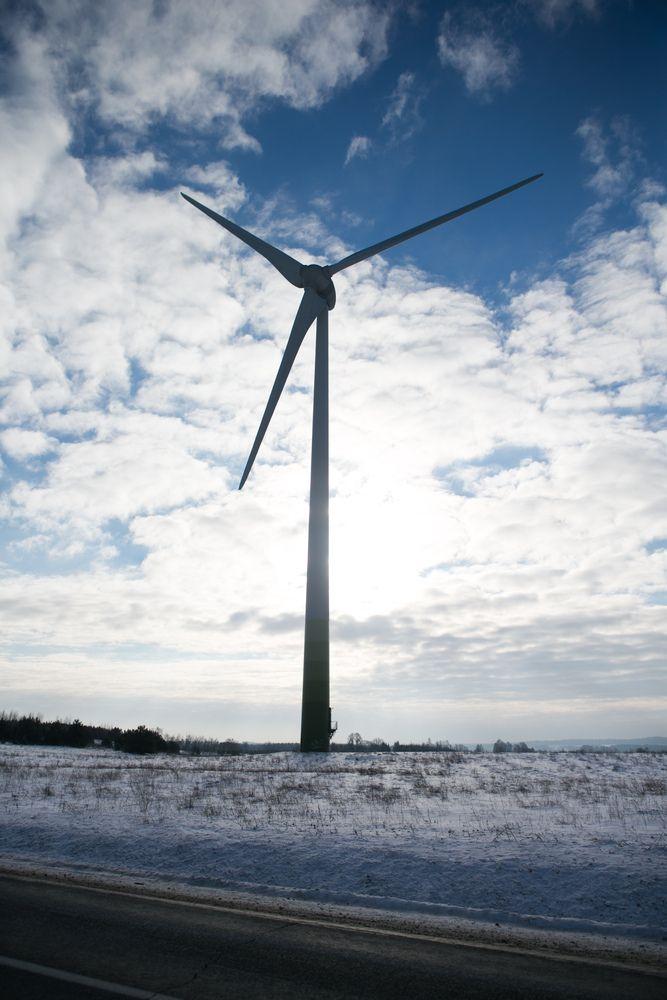 """""""Lietuvos energija"""" ieškos strateginių partnerių investicijoms į vėjo parkus jūroje"""