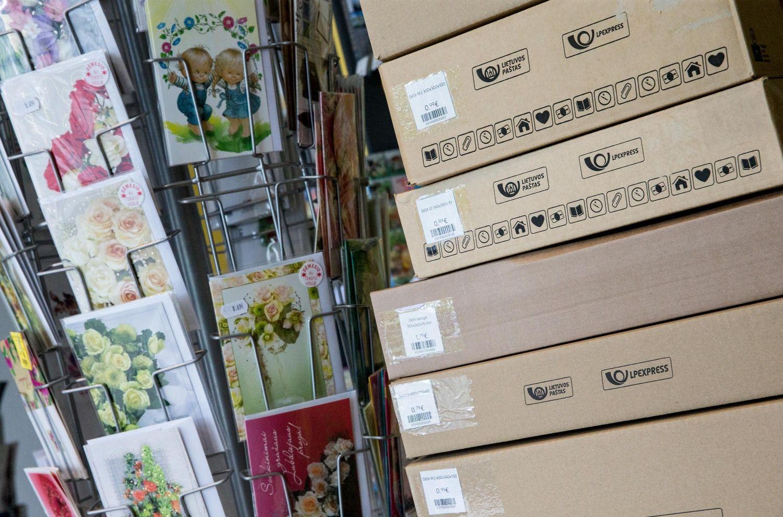 Šventiniu laikotarpiu į Ukrainą nebus siunčiamos pašto siuntos