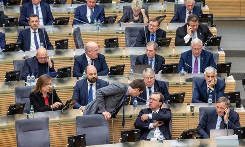 Ministerijų kancleriai taps priklausomi nuo ministrų kadencijų