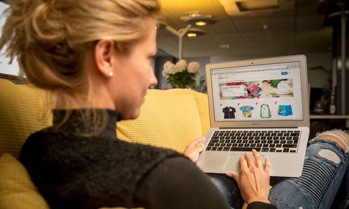 Interneto rinka ir operatorių pajamos toliau auga