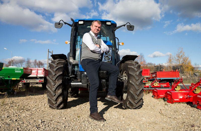 """Arūnas Maziukas, UAB """"Agrotaka"""" direktorius: """"Indiškus traktorius dažniausiai įsigyja smulkūs ūkininkai, kurie specializuojasi nišinėje veikloje, o ne užsiima įprasta žemdirbyste."""" Jurgitos Grigelytės (VŽ) nuotr."""