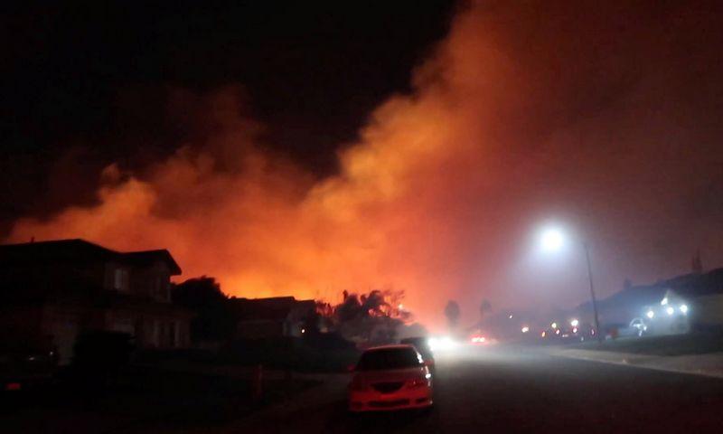 """Metų pradžioje degti pradėjusi Kalifornija tebedega ir jiems baigiantis. """"Reuters"""" nuotr."""