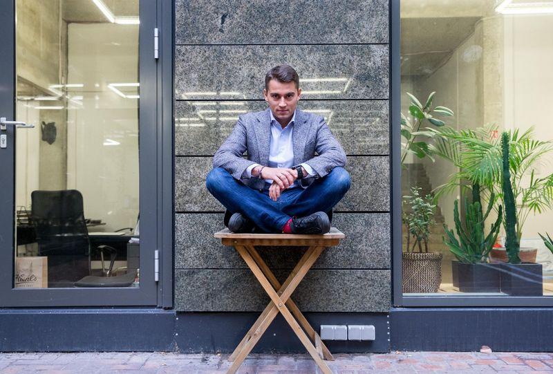 """Skaitmeninės rinkodaros agentūros """"Ad Fingers"""" verslo vystymo vadovas Kristoforas Akromas. Juditos Grigelytės (VŽ) nuotr."""