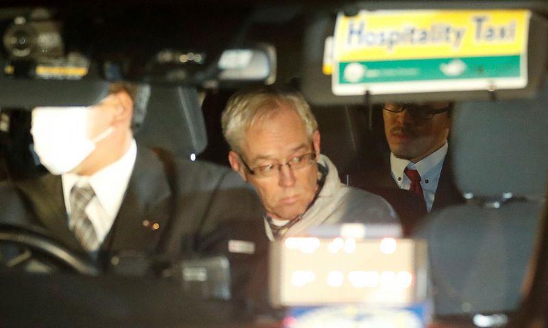 """Už užstatą išleistas G. Kellis pastebėtas Tokijos centre, automobilyje. Kim Kyung-Hoono (""""Reuters"""" / """"Scanpix"""") nuotr."""
