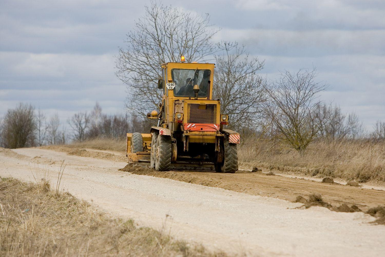 Ministerija reikalauja ištirti galimai neskaidrų asfaltuotinų žvyrkelių atrankos atvejį
