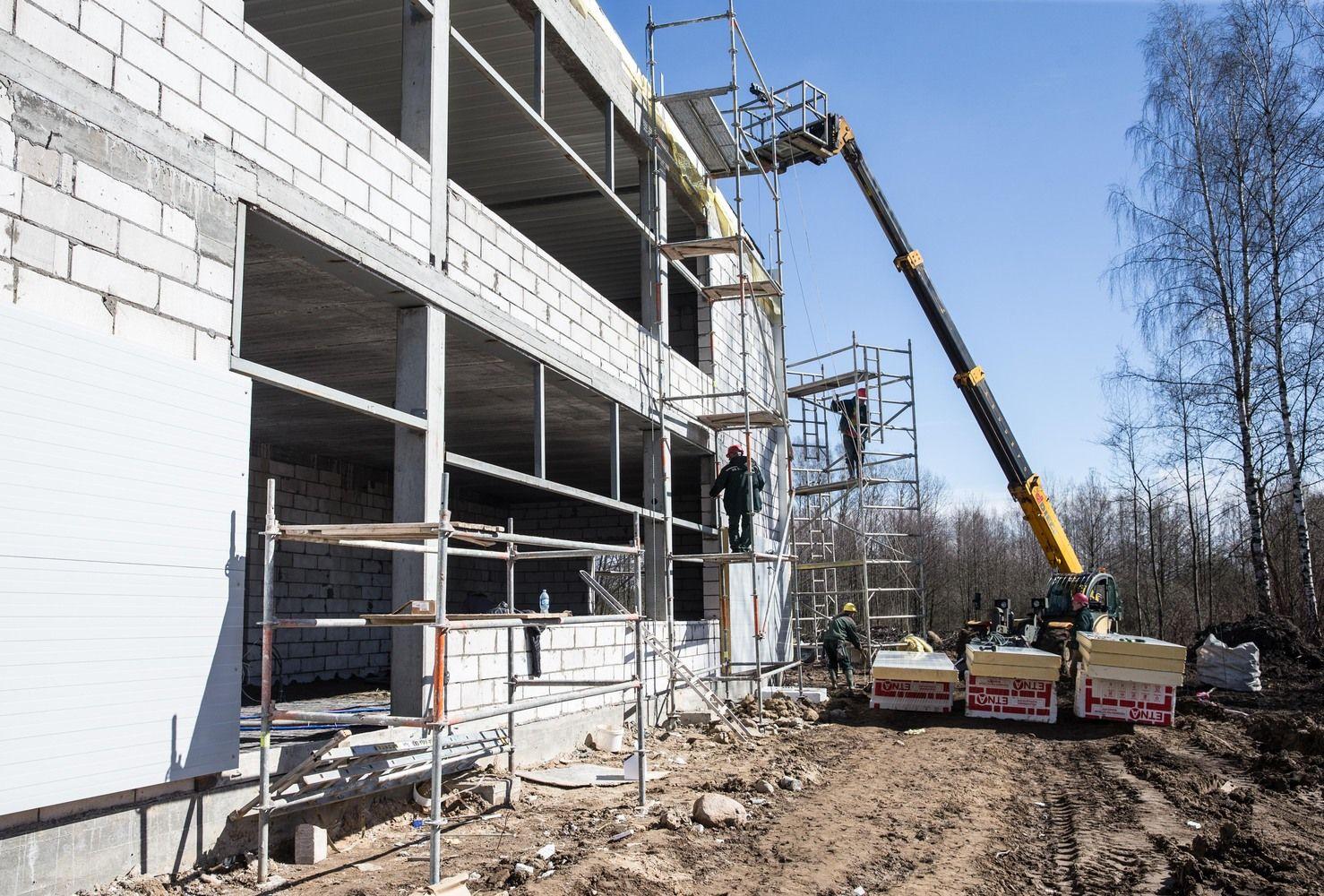 Statybų sąnaudos per metus brango 2,7%