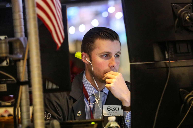 DrebėjimaiJAV akcijų rinkoje: analitikai skaldosi į dvi stovyklas
