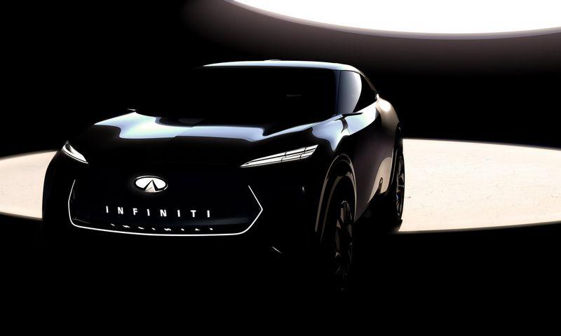 """Pirmoji oficiali """"Infiniti"""" nuotrauka atskleidžia tik automobilio siluetą ir priekinės dalies elementus. Gamintojo nuotr."""