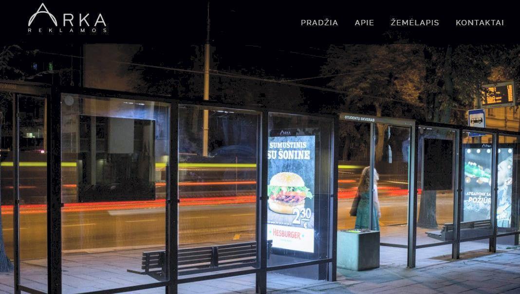 Kaune –ginčas tarp savivaldybės ir stotelių stogines įrengusios bendrovės