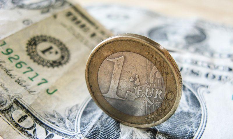 Euras – antra populiariausia valiuta pasaulyje, tačiau JAV dolerio atotrūkis vis dar labai didelis. Juditos Grigelytės (VŽ) nuotr.