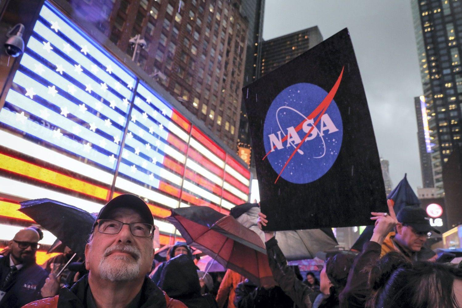 NASA sėkmingai įgyvendino istorinį praskriejimą