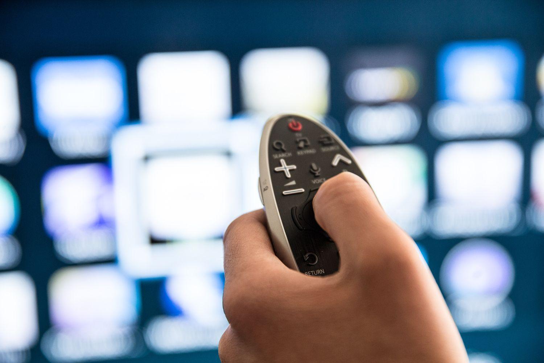 Komisija prašo daugiau galių stabdyti TV programas, jei būtų bandoma paveikti rinkimus