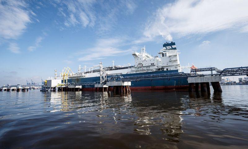 """Lietuvos energijos tiekimas"""" pardavė dujų krovinį žaliavų milžinei"""
