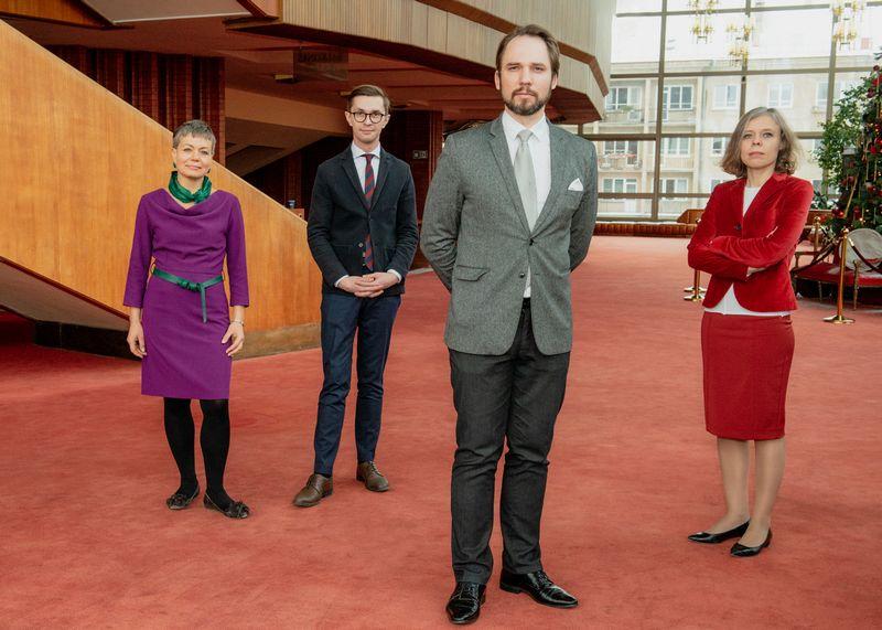 Iš kairės: Inga Navickienė, Julijus Grickevičius, Jonas Sakalauskas, Jurgita Skiotytė. Martyno Aleksos / LNOBT nuotr.