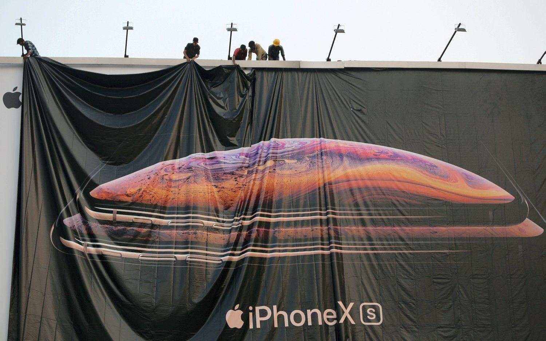 """""""Apple"""" apkarpė pardavimų prognozę, kaltina Kiniją"""