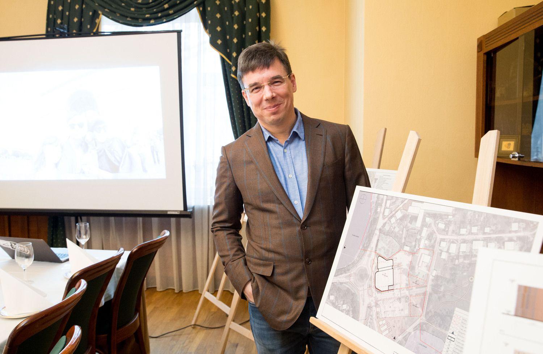 """D. Nedzinsko įmonės ir """"Trakų autobusų"""" NT mainų sutartis – teisėta"""