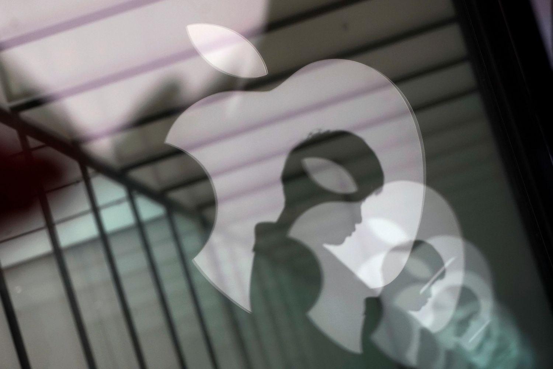 """Investuotojai į """"Apple"""" pratinasi prie naujos realybės"""