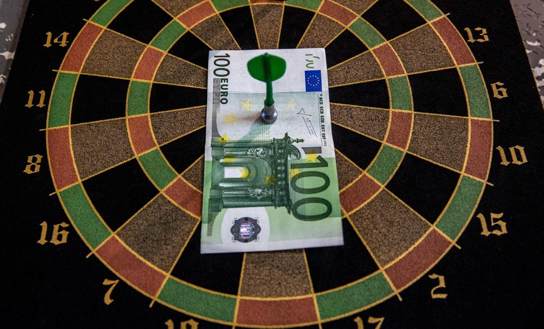 Uždari turtingiausių šeimųklubai Lietuvoje: apžvalga ir perspektyvos