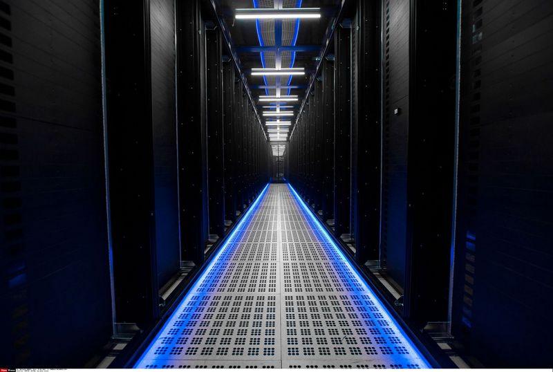 """""""Amazon"""", """"Alphabet"""" ir """"Microsoft"""" stato tikras duomenų perdirbimo gamyklas. Romualdo Meigneux /""""Sipos"""" nuotr."""