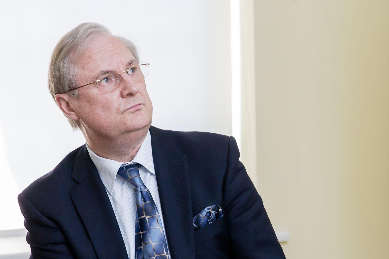 Atsistatydinusiam E. Vaitekūnui grėsė atleidimas iš LRTK