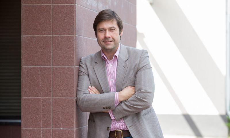 """Kasparas Jurgelionis, """"Iron Wolf Capital Management"""" vykdantysis partneris sako daugiausia galimybių matantis informacinių technologijų ir gyvybės mokslų sektoriuose. Juditos Grigelytės (VŽ) nuotr."""
