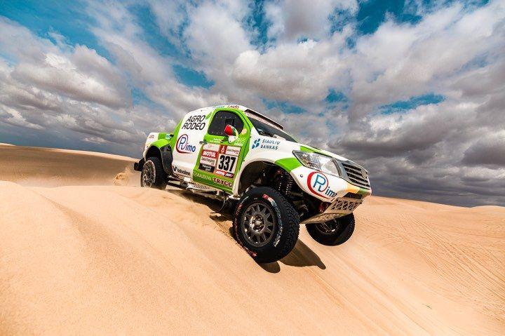 Po pirmojo Dakaro etapo – optimistinės Lietuvos ekipažų nuotaikos