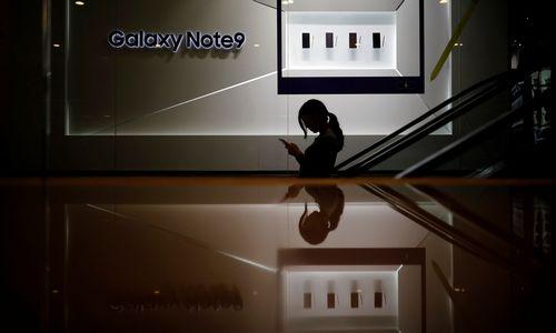 """Po """"Apple"""" – įspėjimo signalai rinkai iš """"Samsung"""""""