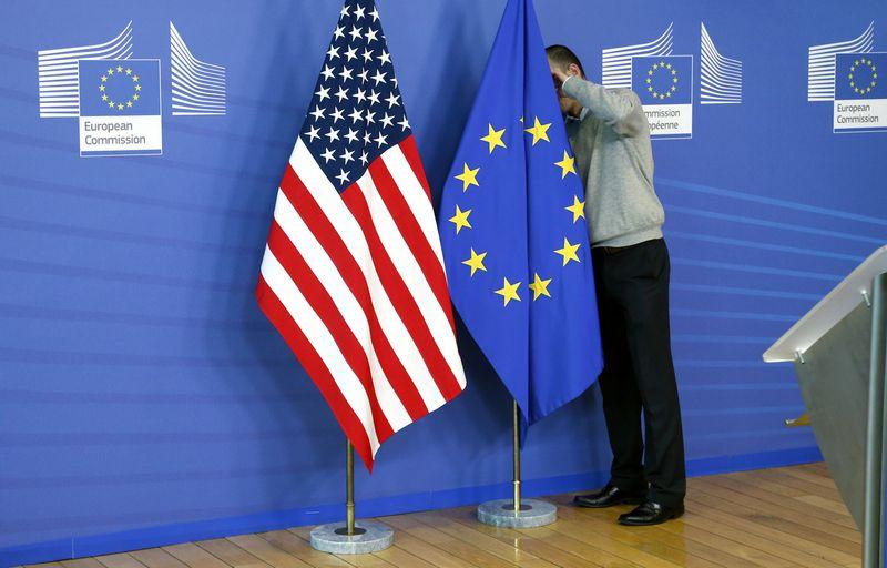 """JAV sprendimas Briuseliui buvo netikėtas. Francois Lenoiro (""""Reuters"""" / """"Scanpix"""") nuotr."""