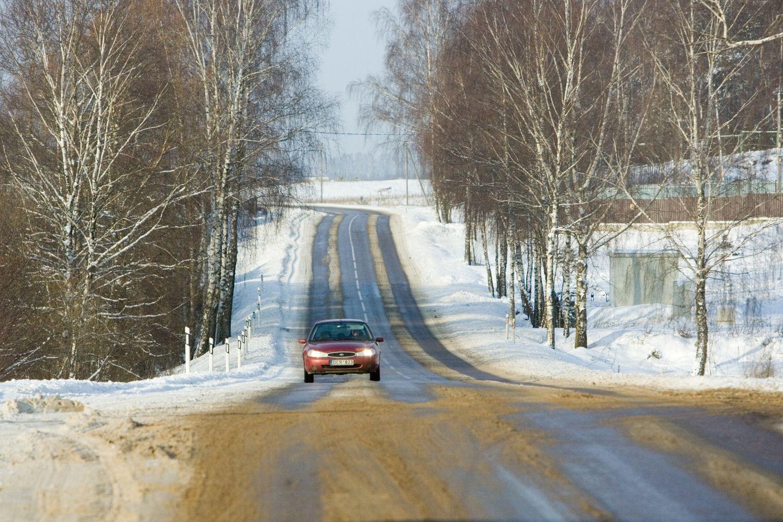 Kelių priežiūrai daugiau lėšų kol kas nebus