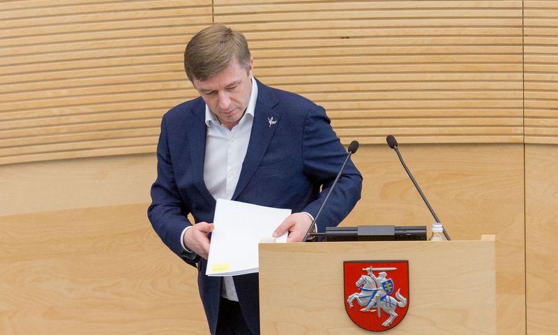 Valstiečių-žaliųjų lyderis Ramūnas Karbauskis pateikė įstatymo pataisas dėl LRT valdymo pakeitimo. Juditos Grigelytės (VŽ) nuotr.