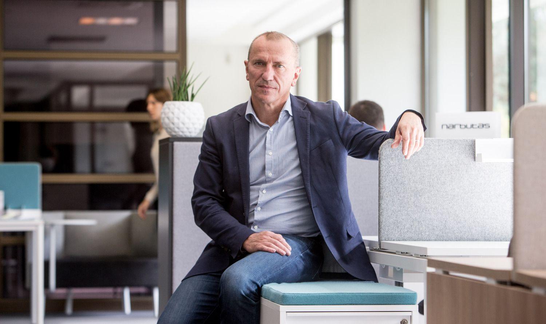 Baldų gamintojas P. Narbutas investuoja į futbolo klubą