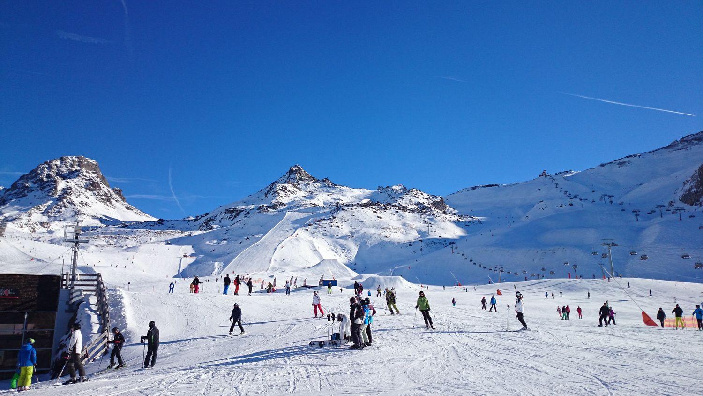 Dėl sniego lavinos pavojaus gali vėluoti siuntos iš Austrijos