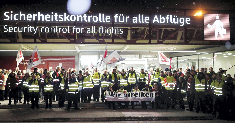 Vokietijos oro uostai ruošiasi antradienio streikui