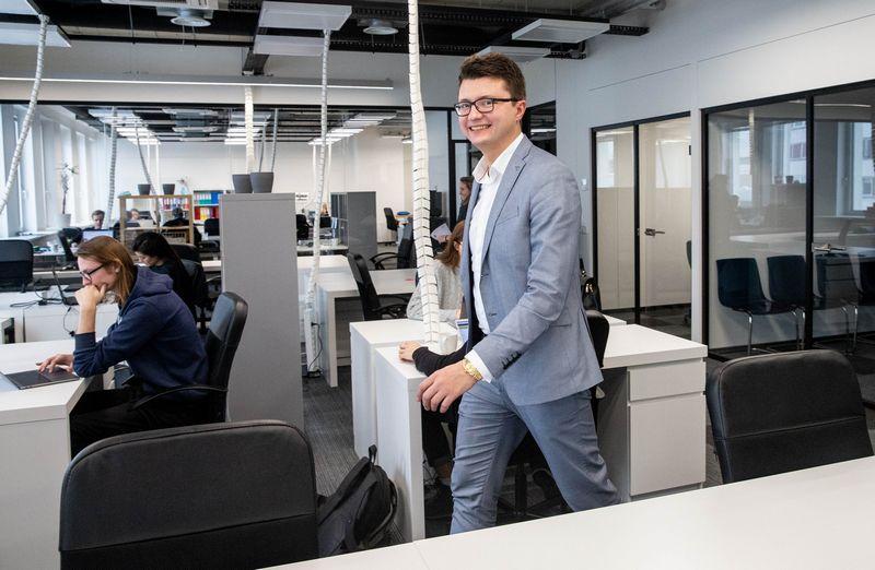 """Andžejus Rynkevičius, UAB """"Baltic Virtual Assistants"""" bendraturtis ir direktorius: """"Mūsų kiekvienas darbuotojas turi darbo vietą, nesvarbu, kad kai kurie dirba iš namų."""" Juditos Grigelytės (VŽ) nuotr."""