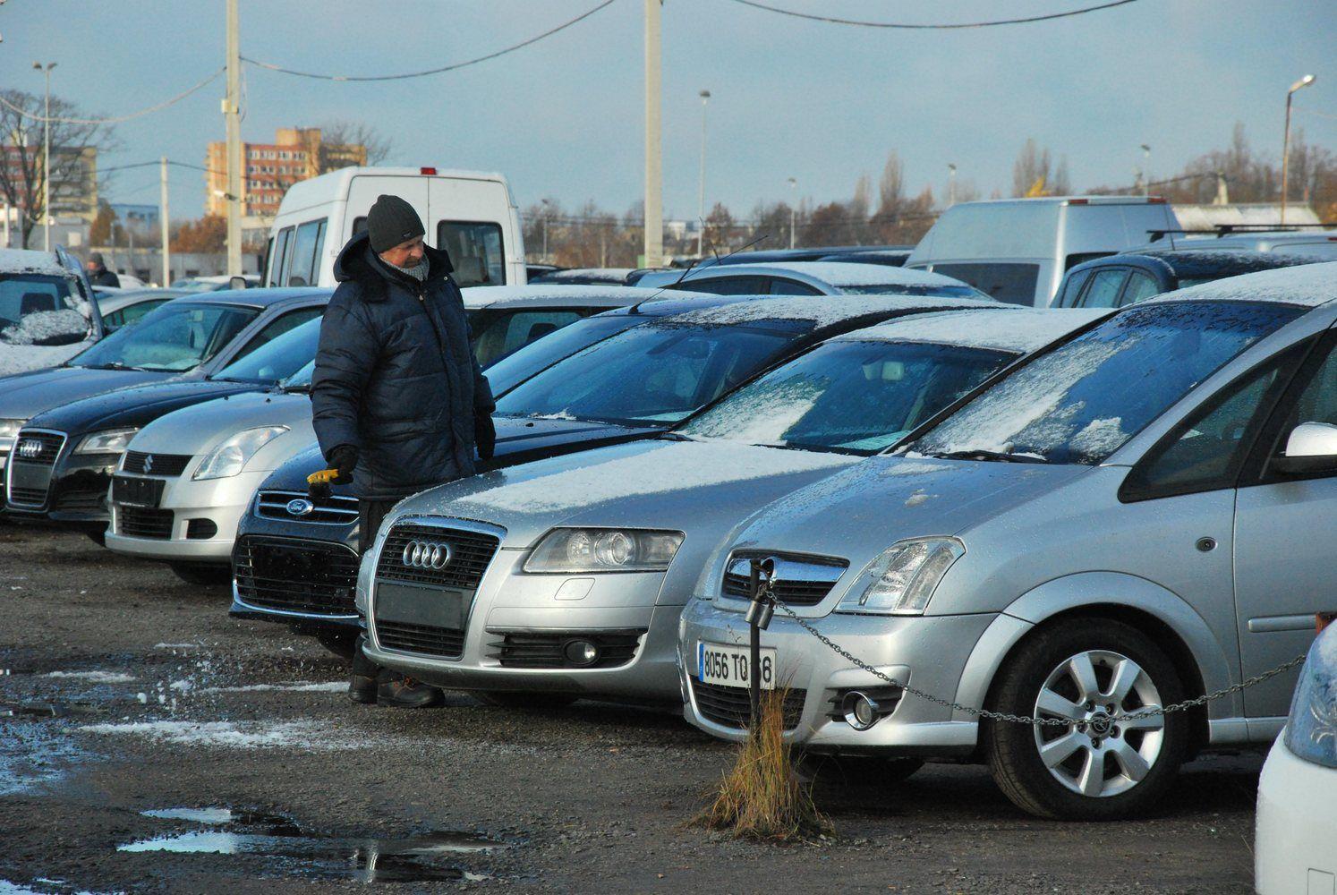 Pernai naudotų automobilių rinka augo dešimtadaliu