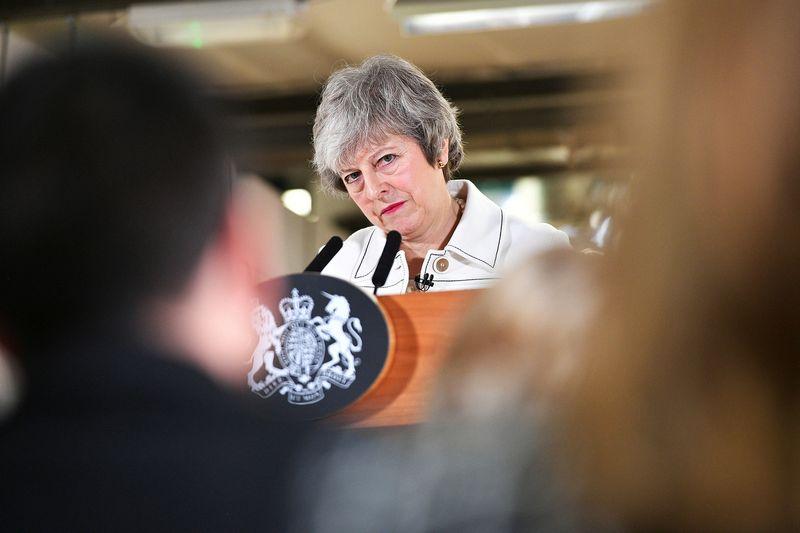 """Tikimybė, kad JK premjerei Theresai May pavyks, labai menka. Beno Birchallio (""""Reuters"""" / """"Scanpix"""") nuotr."""