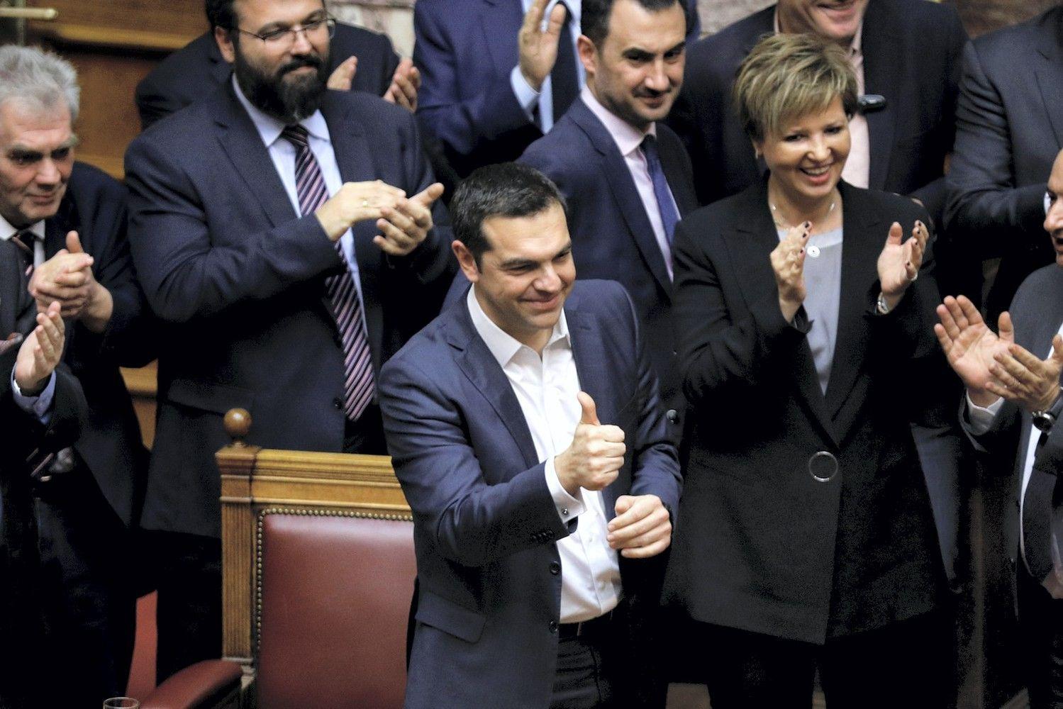 Graikijos parlamentas pareiškė trapų pasitikėjimą premjeru