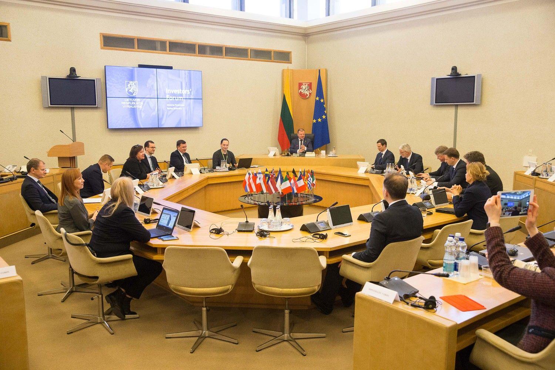 """Chaotiškas """"Brexit"""" padidintų Lietuvos įmokas į ES biudžetą"""