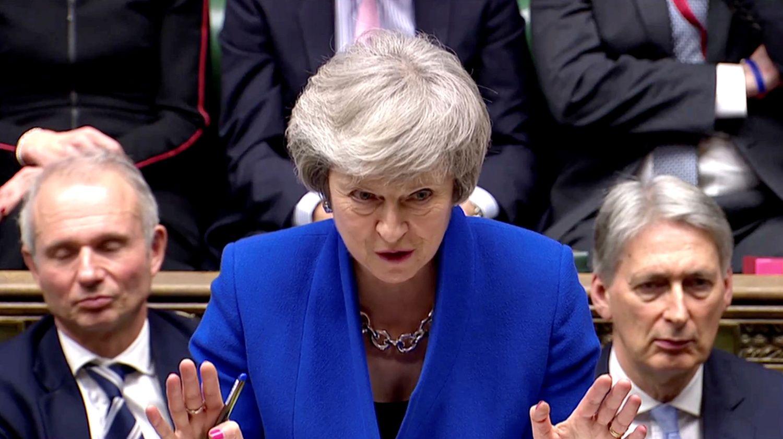 Th. May vyriausyb� atlaik� nepasitik�jimo balsavim�